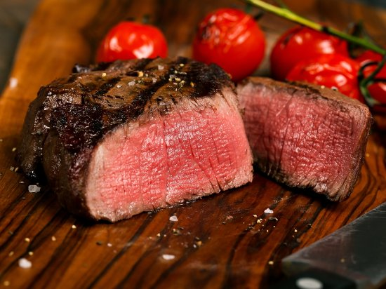 Retford, UK: Steak NIghts on Thursday and Saturday