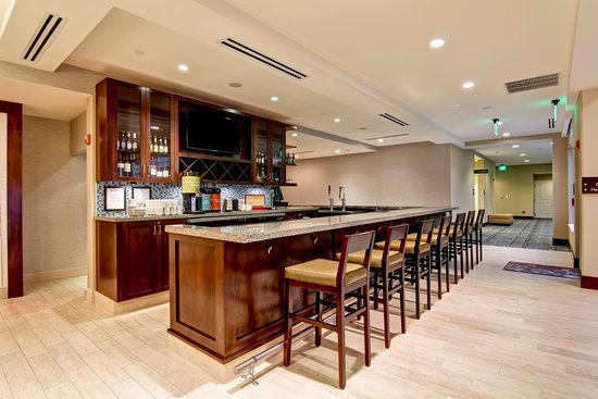 Woodbridge, VA: Bar Area