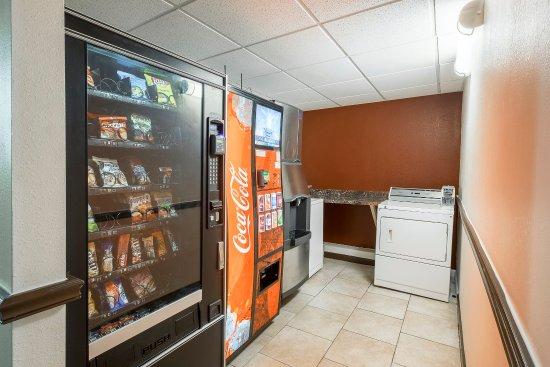 Poughkeepsie, NY: Vending Area