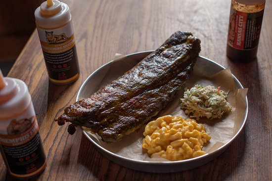 Ladson, Carolina del Sur: Queology Smoked Ribs with sides