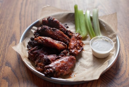 Ladson, SC: Queology Smoked Wings