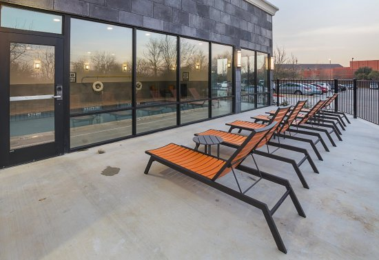 Colleyville, TX: Patio with Lounge Chairs