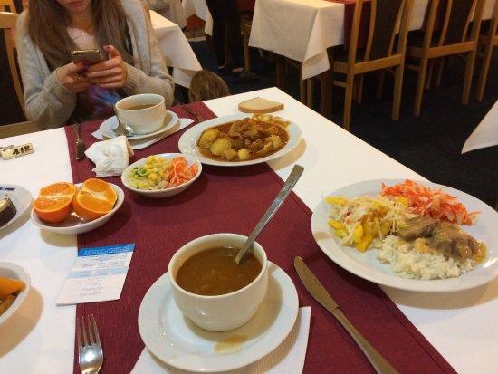 Липтовски Ян, Словакия: Вкусный завтрак и ужин.