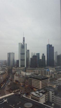 Jumeirah Frankfurt: Ausblick nach Nordwesten