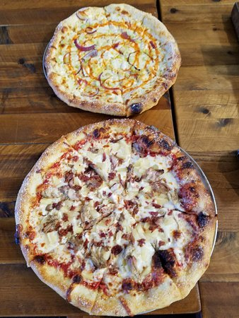 Temecula, CA: Pizzas order there
