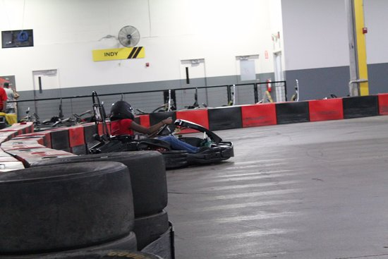 Full Throttle Indoor Karting: Crash & burn