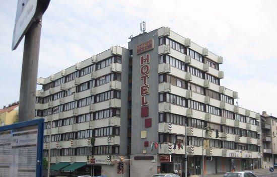 Hotel Charles: Charles hotellissa oli ystävällinen henkilökunta.