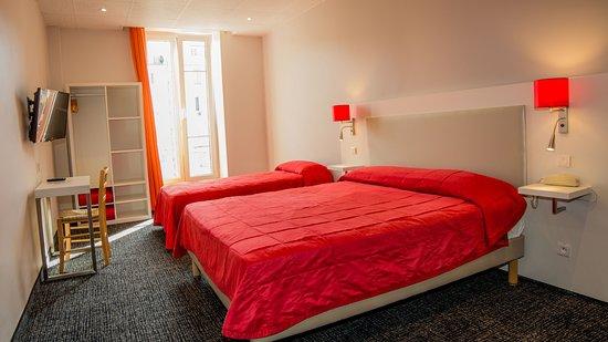 salle de bain picture of hotel amaryllis nice tripadvisor. Black Bedroom Furniture Sets. Home Design Ideas