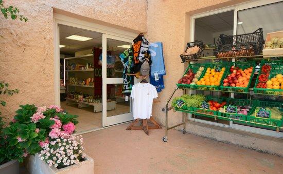 Serra-di-Ferro, Francja: Résidence ALBA ROSSA*** Épicerie sur place