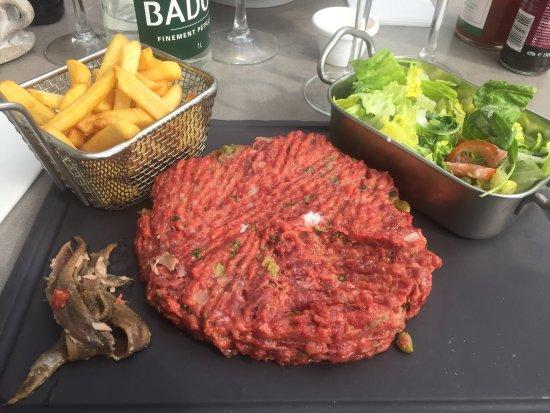 Le Cocodile: Steak Tartare