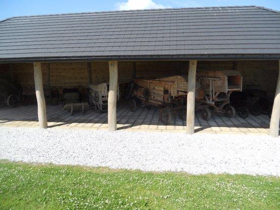 Saaremaa, Estland: Vanhoja maatalouskoneita.