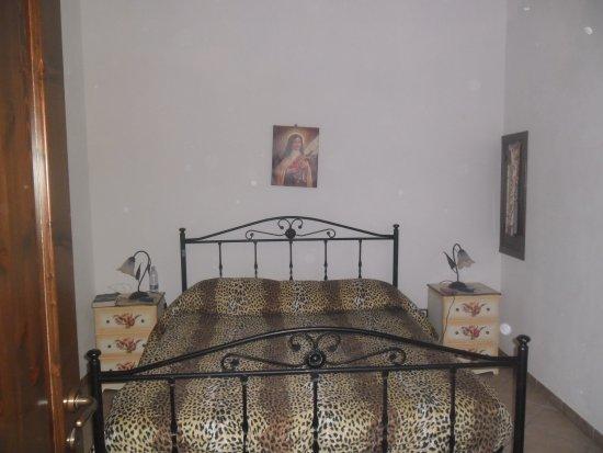 Stanza da letto picture of b b porticella marsala - Insonorizzare stanza da letto ...