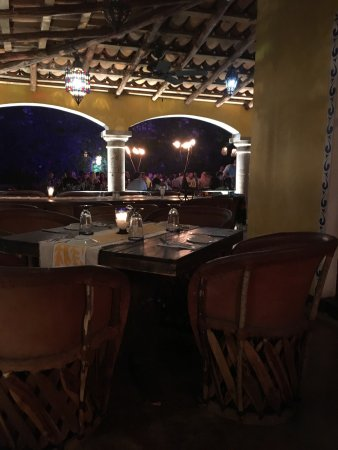 Maria Corona Restaurant : A must visit!! We had a spectacular dinner, the staff were helpful and attentive. The table side