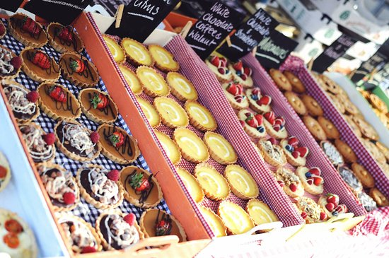 Brecon, UK: Our tarts lined up for sale at markets and festivals
