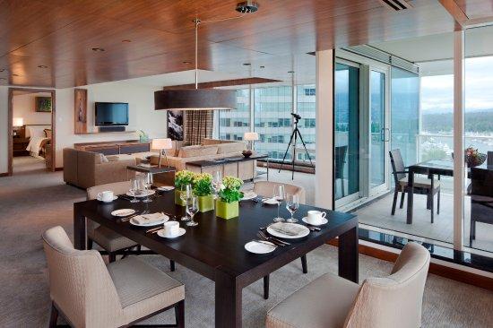 Fairmont Pacific Rim: Fairmont Gold Corner Suite
