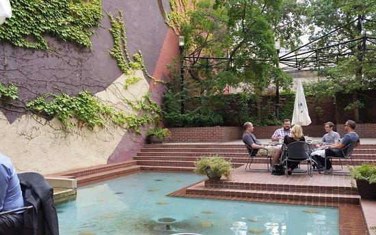 Wonderful Caffe Molise: Pretty Pool/fountain At Molise