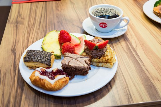 Naestved, Denmark: Kaffe & sødt
