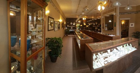 McCook, NE: Beautiful jewelry and a very home-like feel!