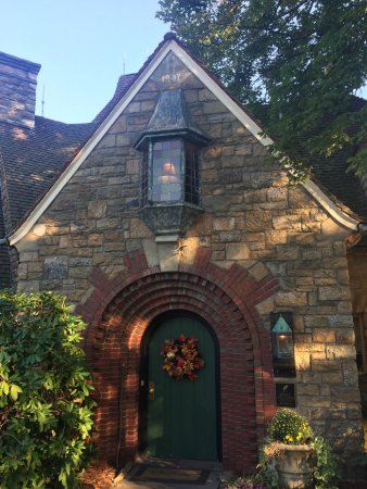 South Sterling, PA: the entry to the lobby/restaurant