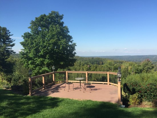 South Sterling, PA: patio overlooking the valley