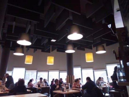 Bellaterra, España: Interior restaurante