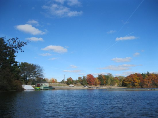 Natick, MA: boats lowering area