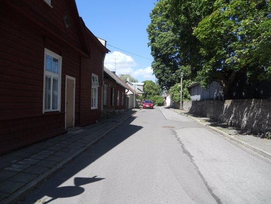 Хаапсалу, Эстония: Vanhoja punamullalla maalattuja taloja.