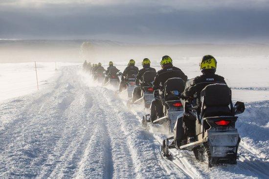 Snowcat skutery sniezne, snowmobile, quads