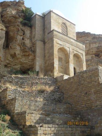Qobustan, Aserbaidschan: Diri Baba Tomb, Azerbaijian