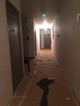 Selles-sur-Cher, Francia: Prix nuit : 57 euro taxe séjour comprise Endroit insalubre mobilier + literie