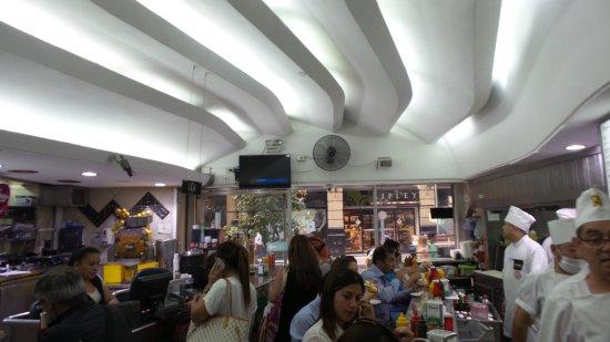 Santiago Metropolitan Region, Chile: Schnellimbissrestaurant