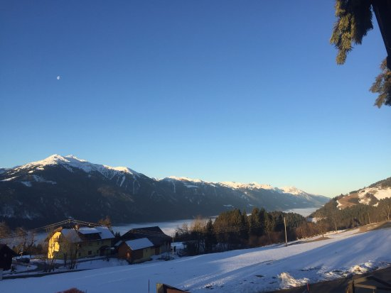 Jenig, Autriche : Nice scenery and view from room's balcony