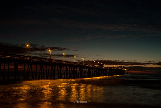 Imperial Beach, CA: The pier very close to hotel at night! COPYRIGHT: ///mjoyphotography