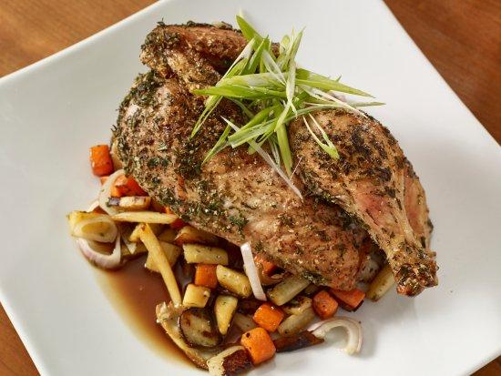 Τζάκσον, Νιού Χάμσαϊρ: Local Herb Roasted Chicken: Vegetable Hash, Asparagus, Chicken Jus, Scallions