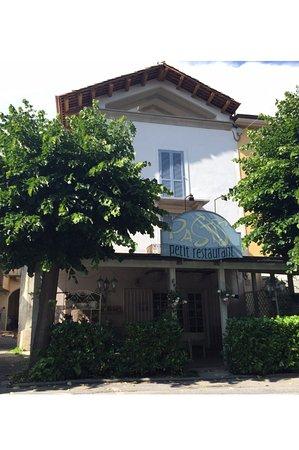 Pastis Petit Restaurant