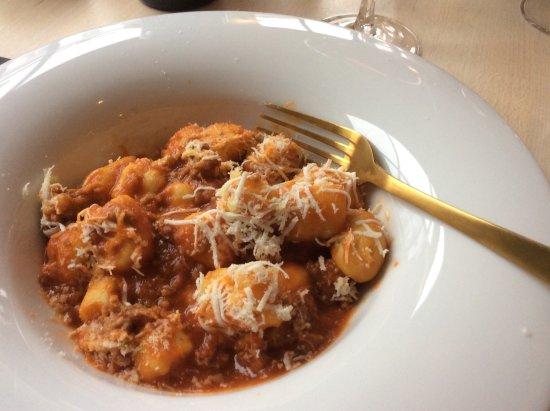 Saint-Gilles, بلجيكا: Gnocchi sauce tomate et saucisse un vrai délice