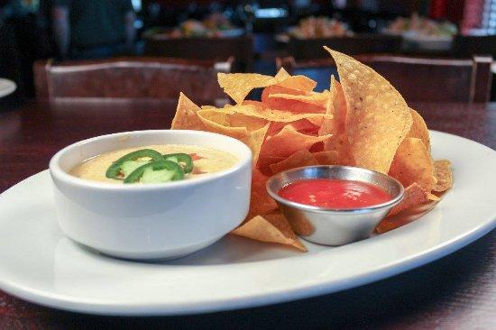 Florence, ألاباما: Spicy Chorizo Queso Dip 