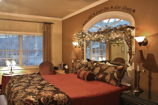 South Fork, CO: Honeymoon Suite - room #5 at the B&B