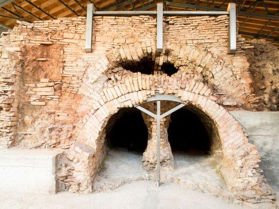 Lonato del Garda, Italy: L'imbocco della camera di combustione a doppio corridoio