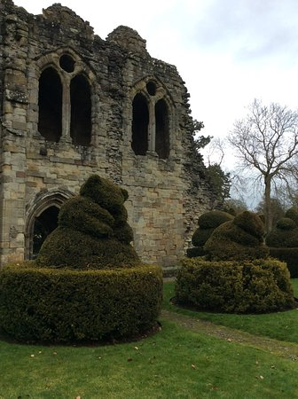 Much Wenlock, UK: Some of the topiary.