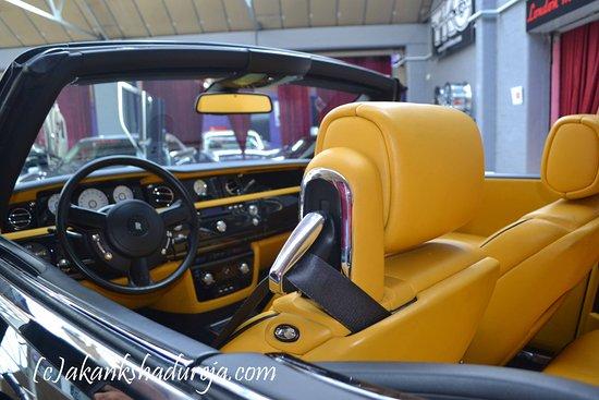 Hayes, UK: London Motor MuseumLondon Motor Museum