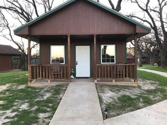 Azle, TX: Deluxe Cabin 3