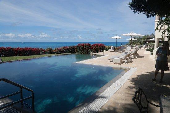 Blue Waters Antigua : une des piscines