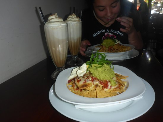 Croydon, Australia: This is photo of my meal(nachos) and my drink(iced latte)