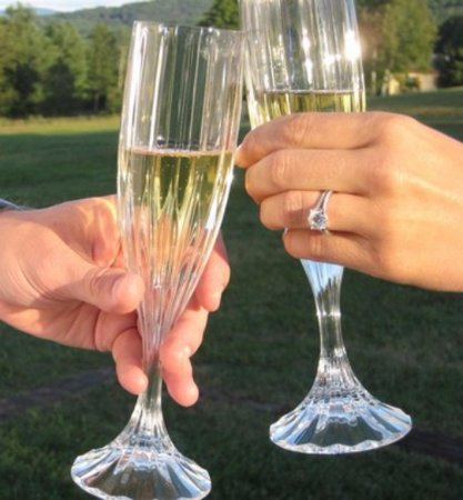 Quechee, Вермонт: Toast to a wonderful getaway at our Inn