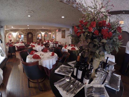 Mineola, NY: Dinning Room