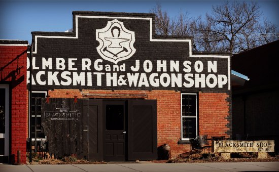 Lindsborg, KS: Front of the Blacksmith Coffee Shop & Roastery