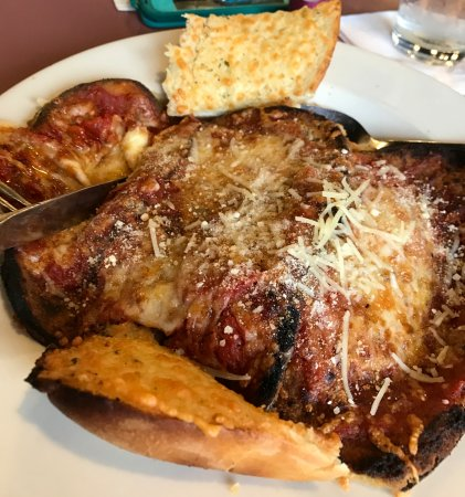 Royal II Restaurant & Grill : Roasted Eggplant with Pasta and Bread