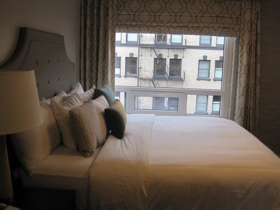 Mark Spencer Hotel: You do have a great view and visa versa into other rooms!