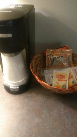 The National Conference Center: Coffee maker and supplies in guest room